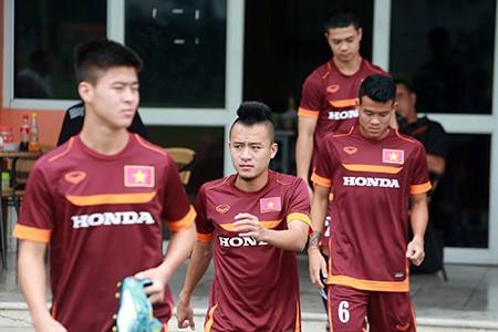 Chùm ảnh cầu thủ Việt Nam, Man City tập luyện cho trận đấu tối nay - ảnh 2