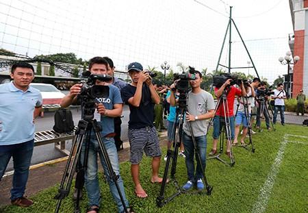 Chùm ảnh cầu thủ Việt Nam, Man City tập luyện cho trận đấu tối nay - ảnh 1