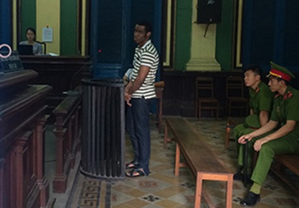Một người nước ngoài thoát án tử sau ba lần xử - ảnh 1