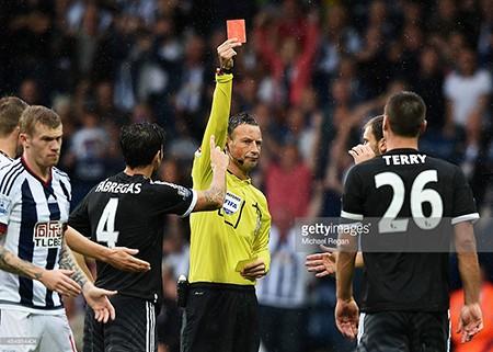 Terry: Chiếc thẻ đỏ và ngã rẽ cuộc đời - ảnh 1