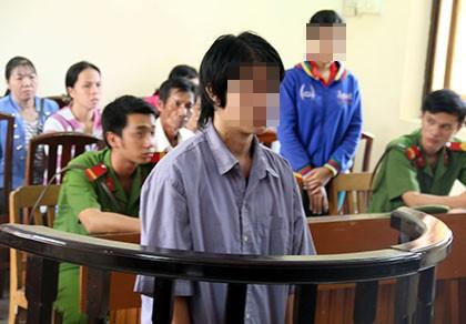Chồng lãnh án vì vợ tố cáo bị... cha nuôi cưỡng bức - ảnh 1