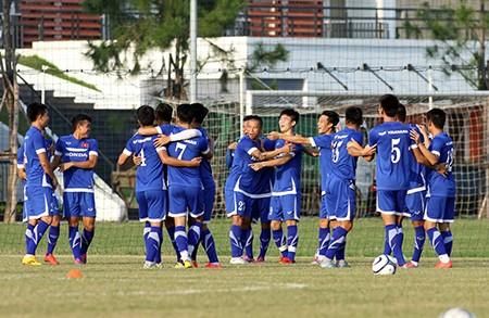 Chùm ảnh tuyển Việt Nam tập luyện chuẩn bị 'đấu' Thái Lan - ảnh 15