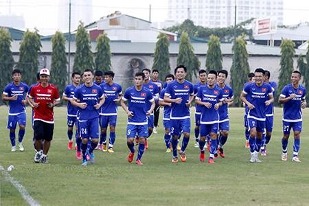 Chùm ảnh tuyển Việt Nam tập luyện chuẩn bị 'đấu' Thái Lan - ảnh 1
