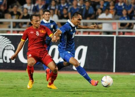 Kiatisak bất ngờ nói về Messi Thái và Messi Việt - ảnh 1