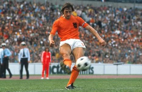 Sốc: Huyền thoại Johan Cruyff mắc bệnh ung thư phổi - ảnh 2