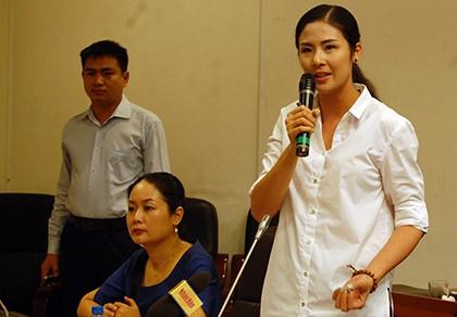 Hoa hậu Ngọc Hân góp ý dự thảo văn kiện Đại hội Đảng - ảnh 1