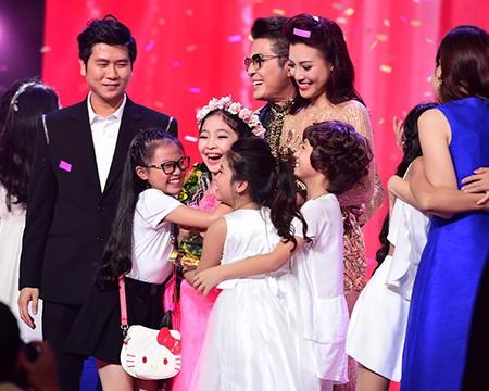 'Công chúa tóc mây' Hồng Minh đăng quang The Voice Kids 2015 - ảnh 1
