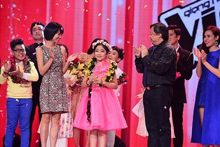 'Công chúa tóc mây' Hồng Minh đăng quang The Voice Kids 2015 - ảnh 12