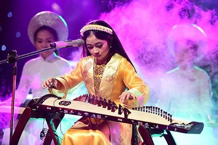 'Công chúa tóc mây' Hồng Minh đăng quang The Voice Kids 2015 - ảnh 5