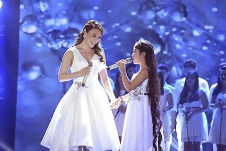 'Công chúa tóc mây' Hồng Minh đăng quang The Voice Kids 2015 - ảnh 8