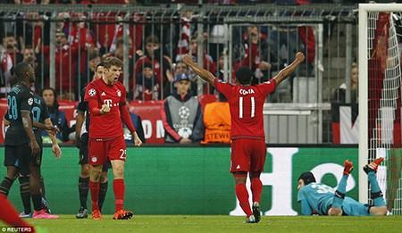 Bayern Munich 5-1 Arsenal: Thua tan nát, 'pháo thủ' lâm nguy - ảnh 1