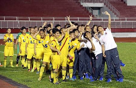 Đội nữ TP.HCM vô địch giải bóng đá quốc tế mở rộng - ảnh 14