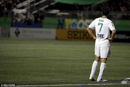 Tạm biệt 'chúa nhẫn' Raul Gonzalez - ảnh 13