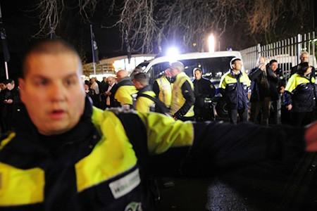 Chùm ảnh nước Đức báo động vì bị đe dọa khủng bố - ảnh 18