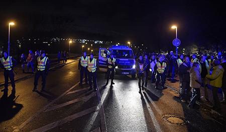 Chùm ảnh nước Đức báo động vì bị đe dọa khủng bố - ảnh 20