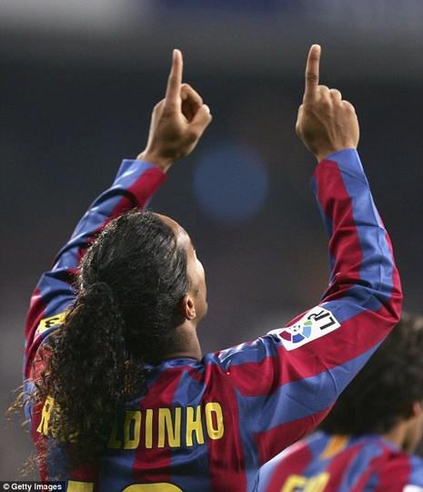 Ronaldinho bị Real Madrid từ chối vì quá… xấu - ảnh 1