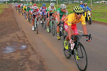 Kết thúc giải xe đạp Nam Kỳ Khởi Nghĩa: Áo vàng bị dẫn nhầm lộ trình - ảnh 1