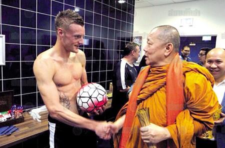 Leicester City mời sư thầy Thái Lan ban phước giúp đá bại M.U - ảnh 2