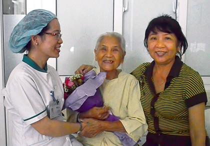 Cắt bỏ khối u tim hiếm gặp cho cụ bà 90 tuổi - ảnh 1