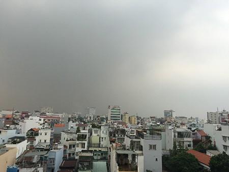 Vì sao Sài Gòn sáng nay chìm trong sương mờ? - ảnh 4