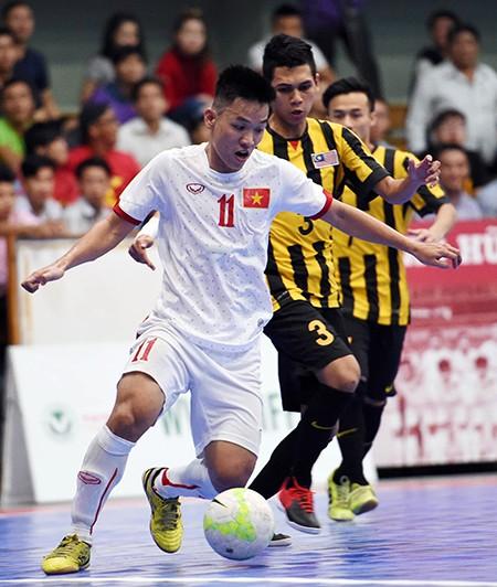 Tuyển Futsal Việt Nam có quà trước khi xa nhà ăn tết - ảnh 1
