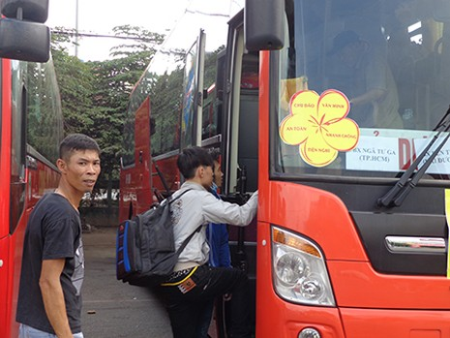 Bắt đầu vận chuyển 1,4 triệu hành khách về quê ăn tết - ảnh 2