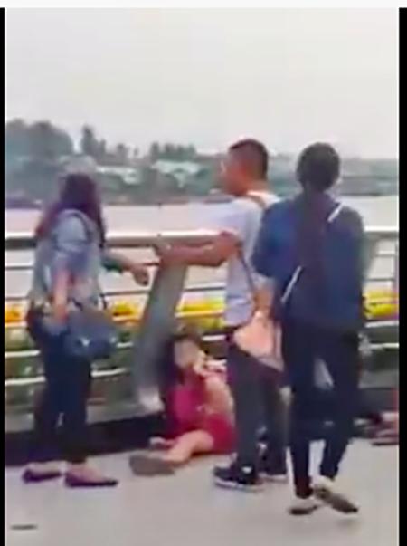Đôi nam nữ bị đánh ở bến Ninh Kiều là dân 'hai ngón' - ảnh 3