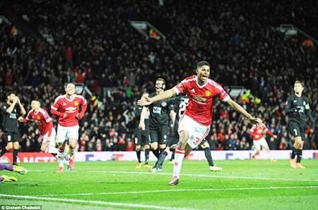 Man. United đại thắng, Liverpool may mắn có quả 11 m - ảnh 1