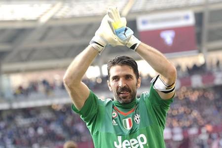 Buffon phá kỷ lục giữ sạch lưới ở Serie A - ảnh 1