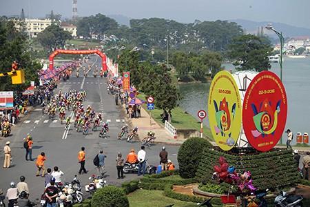 Nguyễn Thành Tâm khẳng định ngôi vị đầu giải áo xanh - ảnh 3