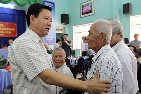 Ứng cử viên Đinh La Thăng: 'Chúng tôi nói là làm, hứa là phải thực hiện' - ảnh 1