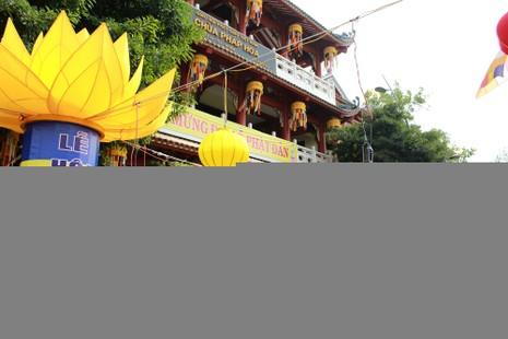 Sài Gòn rực rỡ cờ hoa đón lễ Phật đản - ảnh 3