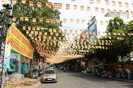 Sài Gòn rực rỡ cờ hoa đón lễ Phật đản - ảnh 5