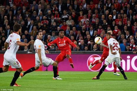 Ngược dòng hạ Liverpool, Sevilla 3 lần liên tiếp vô địch Europa League - ảnh 2