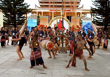 Hơn 1.000 nghệ nhân dân tộc tham gia Hội thao Văn hóa - ảnh 1