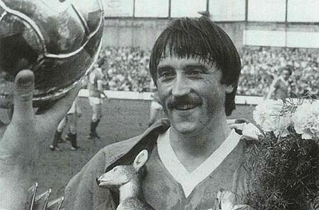 Euro 1976: Cú sút Panenka thần thánh biến Đức thành cựu vương - ảnh 2
