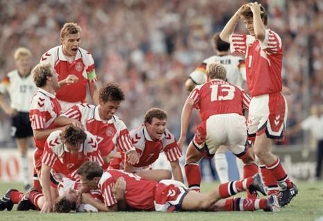 Euro 1992: 'Những chú lính chì' viết nên chuyện cổ tích Andersen - ảnh 1