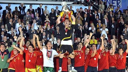 Euro 2008: Tây Ban Nha khởi đầu kỷ nguyên thống trị thế giới - ảnh 1