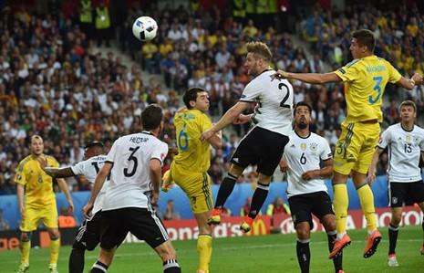 Đức 2-0 Ukraine: Xe tăng Đức tăng tốc nhẹ nhàng - ảnh 1