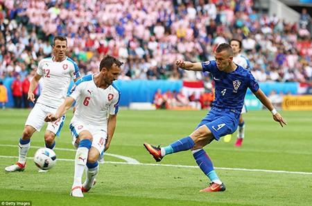 Croatia 2-2 CH Séc: Kịch bản khó lường! - ảnh 1