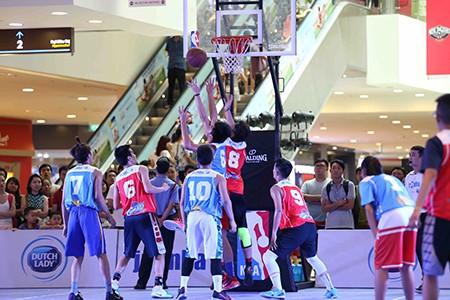 15 VĐV tài năng bóng rổ ra nước ngoài du đấu - ảnh 2