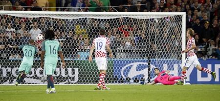 Croatia 0-0 Bồ Đào Nha (EAT 0-1): Sự cứu rỗi của Quaresma - ảnh 1