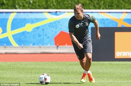 Schweinsteiger tiết lộ bí mật về loạt đá penalty đau tim với Ý - ảnh 2