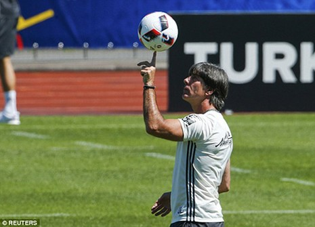 Schweinsteiger tiết lộ bí mật về loạt đá penalty đau tim với Ý - ảnh 7