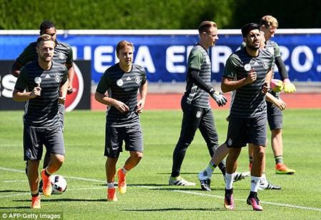 Schweinsteiger tiết lộ bí mật về loạt đá penalty đau tim với Ý - ảnh 5