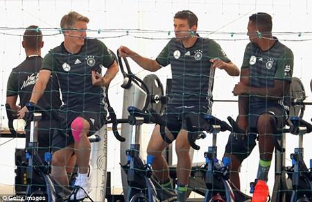 Schweinsteiger tiết lộ bí mật về loạt đá penalty đau tim với Ý - ảnh 1
