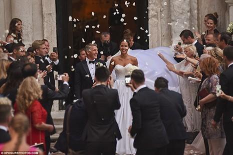 Chùm ảnh đội trưởng tuyển Đức kết hôn với mỹ nhân làng quần vợt - ảnh 1