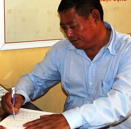 Thu giữ 3 khẩu súng của trung tá Campuchia bắn chết chủ tiệm vàng - ảnh 1