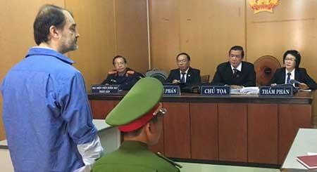 """Tòa xử """"án"""" dẫn độ người nước ngoài ra sao? - ảnh 1"""