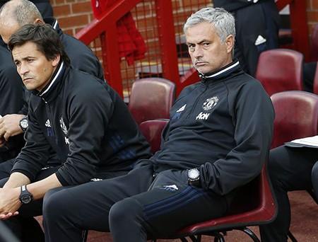 Mourinho xác nhận Schweinsteiger hết tương lai ở MU - ảnh 2